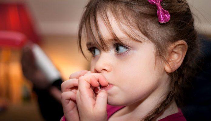 Çocuklarda Tırnak Yeme Davranışı ve ailenin yapması gerekenler – Psikolog Damla DOĞRU