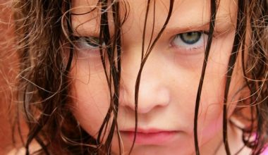 Çocukları Tarafından Zorbalığa Uğrayan Ebeveynlerin Yaptığı 3 Hata