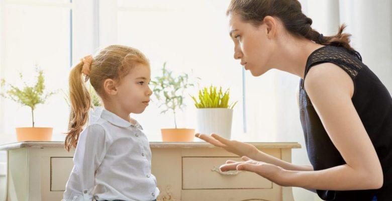 """Çocukların Annelerinin Yanında Daha """"Kötü"""" Olmalarının Gerçek Sebebi"""