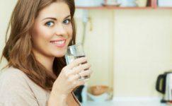 Anne Sütünü Artırarak Hem Anneyi Hem de Bebeği Mutlu Eden 10 Yiyecek ve İçecek
