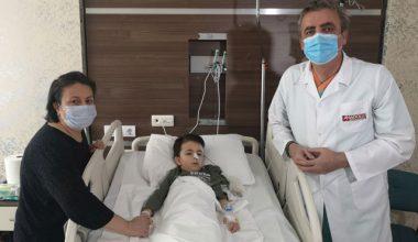Küçük Uras'ın karın ağrısının nedeni herkesi şaşırttı! Bağırsağından 19 tane çıktı