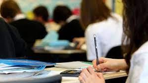 Okullar açılıyor mu, hangi okullar açılacak? 8-12. sınıflar için yüz yüze eğitim var mı? İşte uzaktan eğitim detayları…