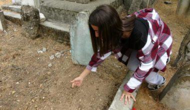 Canlı canlı gömülen bebeği öğrenciler buldu